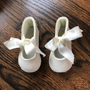 Shoes - Ivory Baby Ballet Slipper with Satin Ribbon